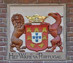 Gevelsteen HET WAPEN VAN PORTUGAL | by Vereniging Vrienden van Amsterdamse…