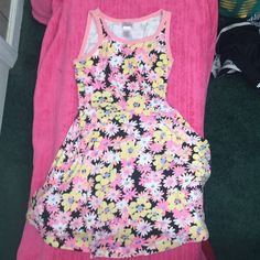 Girls Justice Dress Super cute floral design! Size 8! Take a look at my page to see my other awesome listings! I ship next day! Justice Dresses Midi