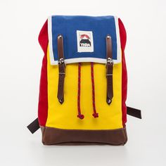 Dimensions: 45 x 26 x 16 cm Materials: 100 % cotton canvas, tanned cowhide leather, steel buckles, top grade mountain climbing rope Quality manufactured by hand in Budapest, Hungary. All our backpacs are are made by order! Please allow up to 2 weeks for production! We appreciate your patience!