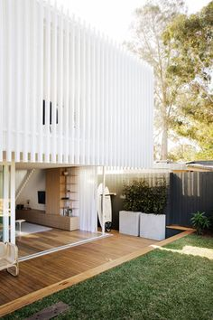Workers House by Clayton Orszaczky Architects - Sydney Design Gallery - The Local Project Exterior Design, Interior And Exterior, Modern Exterior, Interior Architecture, Contemporary Architecture, Minimalist Architecture, Chinese Architecture, Futuristic Architecture, Architects Sydney