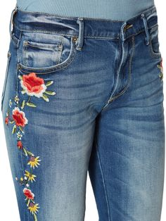 Painted Jeans, Pregnancy Gifts, Embellished Jeans, Denim And Lace, Sport Chic, Sport Fashion, Refashion, Sport Outfits, Aw17