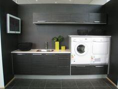 tvättmaskin och torktumlare överskåp - Sök på Google Laundry Closet, Laundry In Bathroom, Laundry Room Design, Building A House, New Homes, Home Appliances, House Design, Google, Home Decor