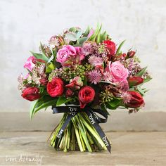 Wonderful bouquets in McQueens Valentine's Day 2014 Collection | Flowerona