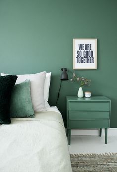 A green accent wall with matching night table and accent pillow, create a serene mood in the bedroom. What other color ideas do you like for the bedroom? Poster Wall, Small Room Bedroom, Small Rooms, Small Bedroom Colours, Home Decor Bedroom, Modern Bedroom, Bedroom Ideas, Kids Bedroom, Living Room Decor