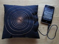Pillow speaker - If you know someone well enough to lay sleeping next to it can be assumed that they like that person. Smart Textiles, E Textiles, Diy Electronics, Electronics Projects, Wearable Technology, Science And Technology, Conductive Thread, Diy Tech, Arduino Projects