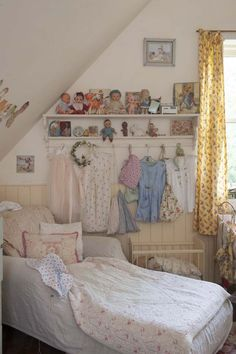 Shabby Chic Bedrooms | ... Colonial Home → vinatge-pastel-home-19-shabby-chic-girls-bedroom