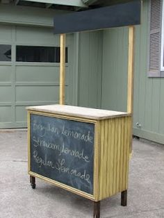 Cute Lemonade Stand - one day L will be old enough for one of these....one day!