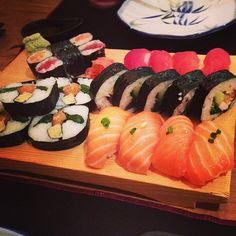 #dinner #instadinner #sushi #japanesefood #fish #food #instafood #restaurant #maki