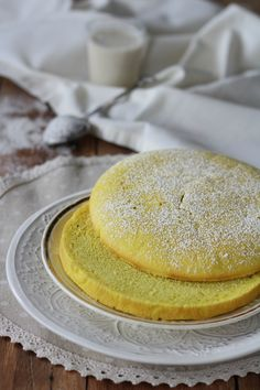 LIGHT SPONGE CAKE WITHOUT EGGS &  TURMERIC easy and fast, a perfect idea to create your healthier cakes ever! #vegansweets #healthyfood #noeggs #spongecake Best Italian Recipes, New Recipes, Sweet Recipes, Favorite Recipes, Low Fat Desserts, Delicious Desserts, Yummy Food, B Food, Healthy Cake