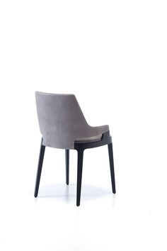 Try to start including your position many feel with any suspicious current chairs! Dining Table Design, Dining Room Chairs, Dining Furniture, Luxury Furniture, Furniture Styles, Furniture Design, Single Sofa Chair, Luxury Chairs, Luxury Decor