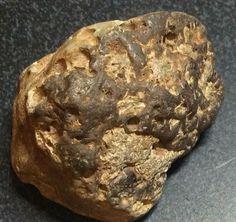 Lunar Breccia Meteorite 60 Gr - Rare Lunar Impact Melt Breccia Crystals Minerals, Rocks And Minerals, Meteor Rocks, Lunar Meteorite, Rock Identification, Rock Hunting, Crazy Man, Rocks And Gems, Raw Gemstones