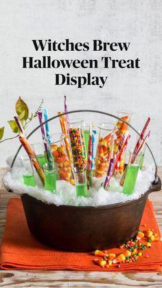 Halloween Drinks, Holidays Halloween, Halloween Treats, Halloween Diy, Happy Halloween, Halloween Queen, Halloween Cookies, Easy Diy Candy, Candy Display