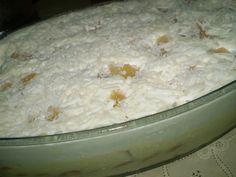 O Pavê de Abacaxi com Coco é delicioso, cremoso e muito prático. Faça para a sobremesa de quem você ama e receba muitos elogios! Veja Também:Pavê de Cocad