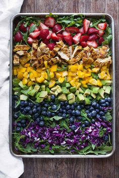Rainbow Salad with Grilled Chicken and Raspberry Walnut Dressing #30MinuteMondays   acalculatedwhisk.com