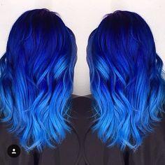 Sim ou não? Cabelo divo da @kristi_mac_of_hair  #bluehair #blues #azul…