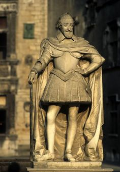 ✅ Statue d'Henri IV - Château de Pau (Pyrénées-Atlantiques) http://www.pinterest.com/adisavoiaditrev/