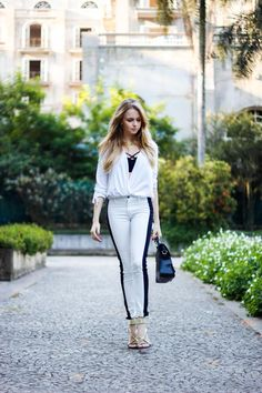 calça branca + blusa branca