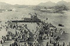 Ottoman Troops on the March after the Eid Prayer in Medina, 1900s (Medine'de Bayram Namazı Sonrası Osmanlı Askerlerinin Resmi Geçidi)