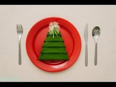 Christmas table top decoration, diy Christmas tree napkin folding, DO it yourself dining table decors, Christmas tree napkin folding video tutorial Christmas Tree Napkin Fold, How To Make Christmas Tree, Christmas Napkins, All Things Christmas, Christmas Holidays, Christmas Crafts, Christmas Decorations, Xmas Tree, Christmas Trees