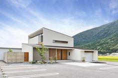 五日市の家 | WORKS WISE 岐阜の設計事務所 Style At Home, Garage House, House Prices, Design Inspiration, Yard, Exterior, Contemporary, Mansions, Architecture