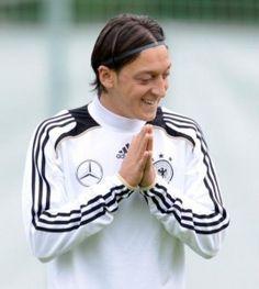 Armer Mesut Özil: Rassistische Hetze auf Twitter