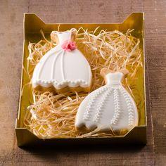 * WEDDING COOKIES * #cookiesalon #royalicing #royalicingcookies #edibleart #cookie #cookies #cookieart #decoratedcookies #customcookies #weddingcookies #wedding #weddingdress
