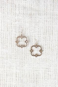Quatrefoil Frame Earrings Gold