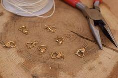 Κούμπωμα Καρδιά Χρυσή 10mm 50τεμ. MI1609-G  Μεταλλική καρδιά κούμπωμα σε χρώμα χρυσό.Μέγεθος: 10mmΗ συσκευασία περιέχει 50 τεμάχια. Arrow Necklace, Jewelry, Jewellery Making, Jewels, Jewlery, Jewerly, Jewelery, Jewel, Fine Jewelry