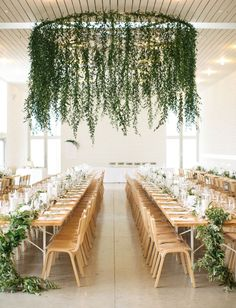 Minimalist + Sleek Wedding in the Texas Hill Country Green Wedding Shoes Weddings, Fashion, Lifestyle + Trave weddingshoes is part of Greenery wedding decor - Wedding Trends, Wedding Designs, Wedding Venues, Trendy Wedding, Elegant Wedding, Wedding Ceremony, Wedding Table, Rustic Wedding, Minimalist Wedding Reception