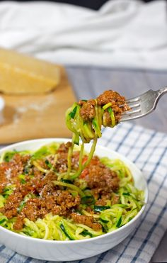 Zoodles (Zucchini Noodles) with Bolognese sauce -  Step by step zoodle recipe topped with super-easy, super-fast, super-delicious bolognese sauce. Enjoy friends!