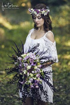 Menyasszonyi csokor 3 tipp a kiválasztáshoz - csodaszép esküvő Crown, Fashion, Moda, Corona, Fashion Styles, Fasion, Crowns