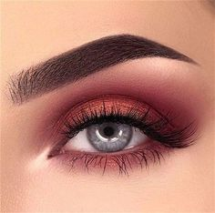 Super makeup red eyeshadow make up brows ideas Red Eye Makeup, Makeup Eye Looks, Cute Makeup, Eyeshadow Looks, Eyeshadow Palette, Brown Eyeshadow, Metallic Eyeshadow, Burgundy Makeup, Makeup Eyeshadow