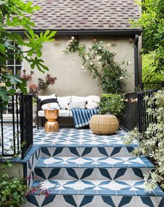 EXCLUSIVE: Emily Henderson's Backyard Makeover Is as Stylish as You'd Expect. Pinned by #ChiRenovation - www.chirenovation.com