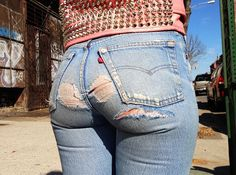 Urinate in skintight levis 501 jeans