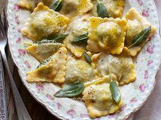 Ricotta Ravioli, Polenta, Curry, Cooking Recipes, Chicken, Ethnic Recipes, Gnocchi, Ravioli, Dinners