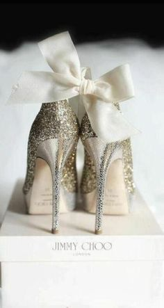 JIMMY CHOO <3 Wedding Shoes with Sparklers Accessories | love shoes, bag & jewels | #women #instyle