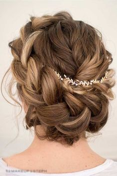Awesome 56 Adorable Spring And Summer Wedding Hairstyles Ideas With Flowers. More at https://trendwear4you.com/2018/02/23/56-adorable-spring-summer-wedding-hairstyles-ideas-flowers/