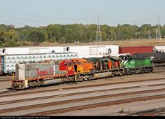 RailPictures.Net Photo: BNSF 4663 BNSF Railway GE C44-9W (Dash 9-44CW) at Minneapolis, Minnesota by Lester Zmudzinski