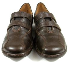Clarks Artisan Loafers Solid Brown Leather Slip On Shoes Womens Size 7.5 M #Clarks #LoafersMoccasins