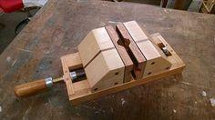 TOM SILKETT SR. Maple Valley Washington furadeira Vises são feitas de maple e…