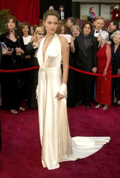 Angelina Jolie – 2004