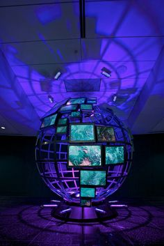 Interesting use of Digital Signage in this sphere design Interactive Exhibition, Exhibition Display, Museum Exhibition, Exhibition Space, Digital Kiosk, Digital Signage, Display Design, Booth Design, Stage Design
