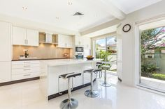 SOLD Di Jones Real Estate 17/153-165 Grosvenor Street Wahroonga 2076 NSW