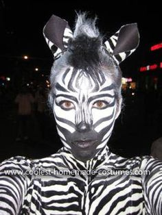 Coolest Female Zebra Costume Hi! My name is Alanna Kendall and ever since I can remember I've been obsessed with Halloween. well obsessed with getting dressed up and costumes actually. Zebra Makeup, Animal Makeup, Halloween Kostüm, Halloween Makeup, Halloween Costumes, Homemade Costumes, Diy Costumes, Costume Ideas, Zebra Face Paint