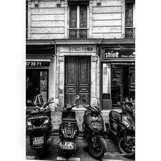 Motorbikes Paris. #PentaxK3 #Sigma1020  #IgersParis#Loves_Paris#Paris_Focus_on#CetteSemaineSurInstagram#ParisCityVision#ParisJeTAime#VisitParis#Parigi#Париж#Франция#パリ#フランス#파리#프랑스#巴黎#法國#Bns_Paris#France_Focus_on#Hello_France#Super_France#ArchitectAndDesign#Europe_Vacations#IG_Europe#Living_Europe#Super_Europe#BestEuropePhotos#TraverseFrance #photography #photooftheday