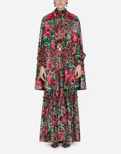 Dolce   Gabbana Spring Summer 2019. L inconfondibile stampa leo si rinnova  con audaci interpretazioni e giochi di sovrapposizioni. 7dee1afaa84