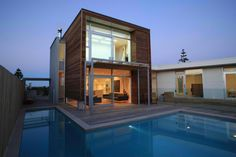 Talking about home design, you must have heard of Modern Minimalist House Plan. One form and the form of a minimalist home but out of modern, that is the advantage of the plan. Modern Minimalist House, Modern Tiny House, Tiny House Design, Modern House Design, Modern Houses, Minimalist Kitchen, Minimalist Interior, Minimalist Bedroom, Minimalist Decor