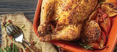 Frango recheado com enchidos | Chef Continente Chefs, Turkey, Meat, Base, Food, Stuffed Chicken Recipes, Whole Chickens, Quick Healthy Meals, Top Recipes