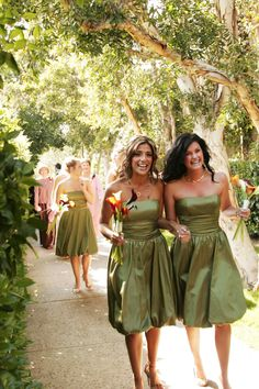 Rancho Bernardo Inn Wedding with green bridesmaids dresses: takes me back to my wedding Green Bridesmaid Dresses, Wedding Dresses, Whimsical Wedding, Wedding Photos, Wedding Ideas, Wedding Locations, Fall Wedding, Garden Weddings, Photo Ideas