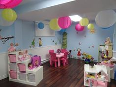 Coin poupée Small Playroom, Colorful Playroom, Playroom Design, Playroom Decor, Kids Daycare, Daycare Rooms, Daycare Ideas, Diy Classroom Decorations, Boy Girl Room